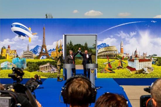 Porosenko: a vízummentesség életbe lépése lerombolja az Ukrajna és EU közötti