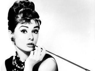 Audrey Hepburn személyes tárgyait árverezik el Londonban