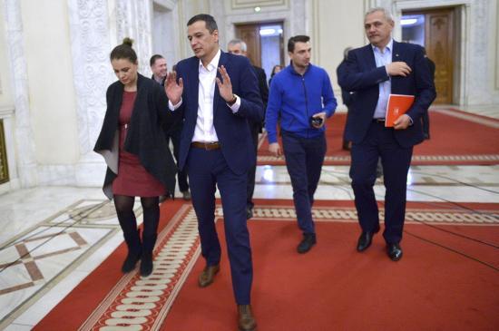 Három miniszter kapott