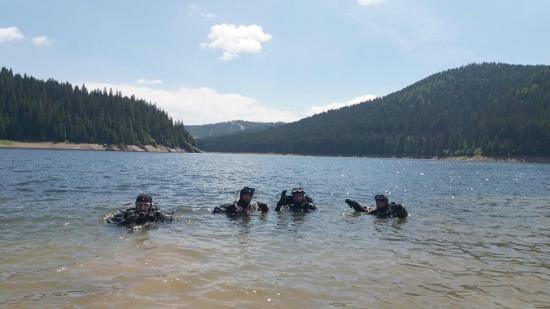 Először tartanak átfogó gyakorlatot a hegyimentő-szolgálatok búvárai
