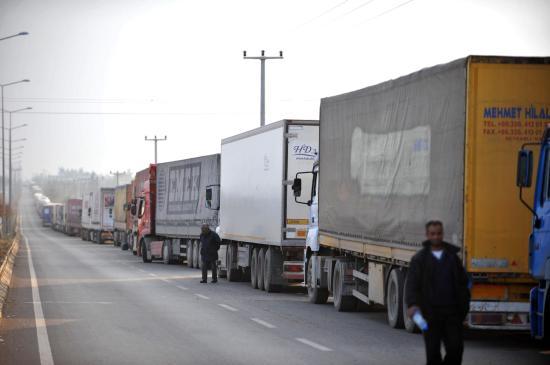 Román kamionban próbálkozott 32 migráns az Ártánd–Bors határátkelőnél