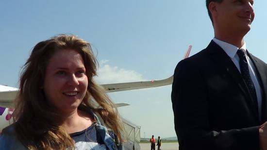 VIDEÓ - Megérkezik az idei egymilliomodik utas a kolozsvári repülőtérre