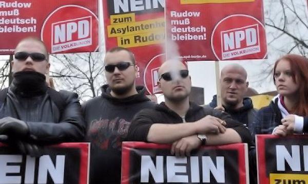 Németországban megvonták a neonáciként számon tartott NPD állami támogatását