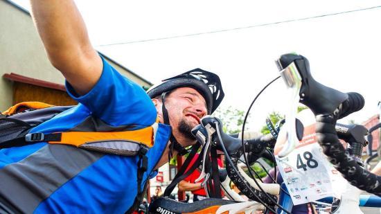 Száz bringázó túrázik a Vasvári-kopjafáig
