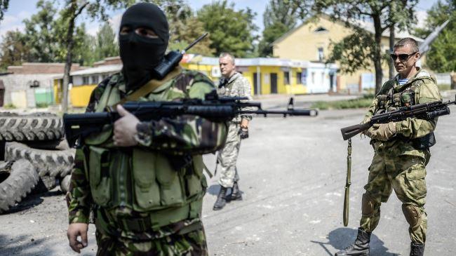 Egy orosz fegyverest megöltek, egy másikat fogságba ejtettek ukrán katonák