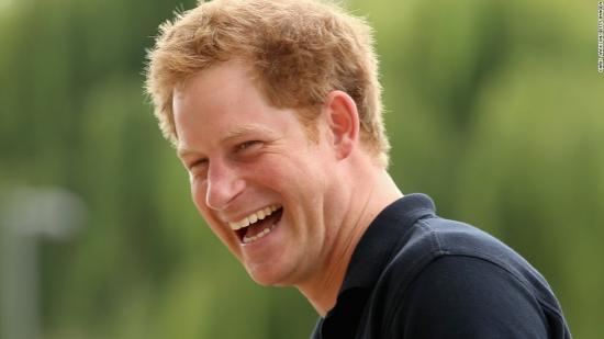 Harry herceg: korszerűsíteni kell a monarchiát
