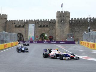 Vettel negyedik, Hamilton ötödik az Azeri Nagydíjon