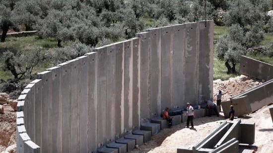 Izrael új kerítést épít északi határán Libanonnál