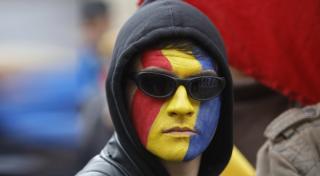 Kétmilliárd euróba került a politikai válság?
