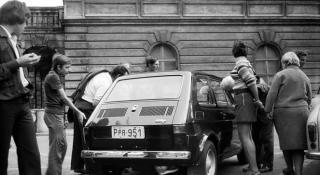 VIDEÓ - Polski Fiattal érkeznek ismét a lengyelek a Főtérre