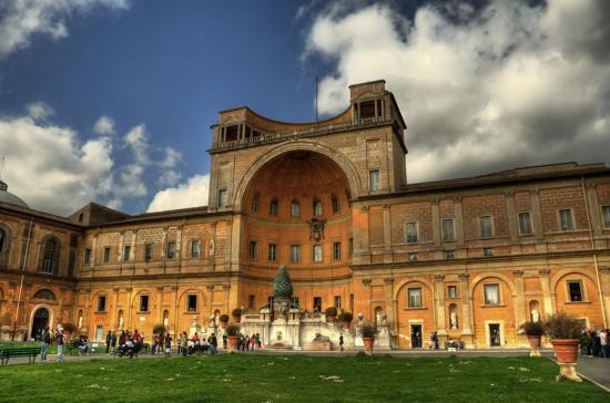 Raffaello alkotásokat fedeztek fel a Vatikánban