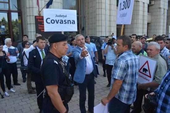 Székelyföldi gazdák és elöljárók tüntettek Bukarestben