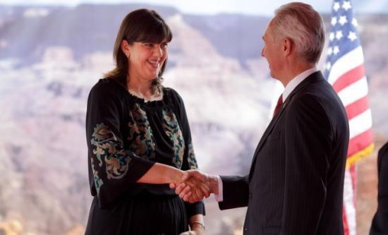 Az amerikai nagykövet Kövesiről: továbbra is bízunk a munkájában