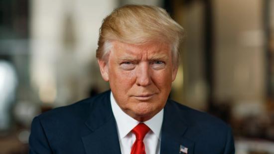 Donald Trump elmozdítását célzó beadványt terjesztett elő egy demokrata párti képviselő