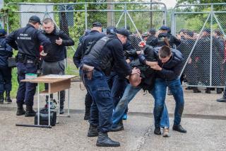 Határrendészet: csaknem 2500 határsértőt tartóztattak fel az első félévben