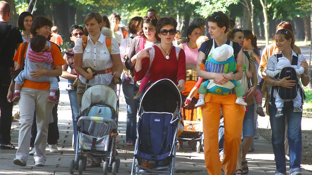 Veres Valér: átlagosan több mint két gyermeket kellene vállalni