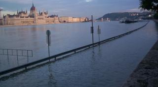 Európát 2100-ra megtizedeli a hőség, tüzek, árvizek