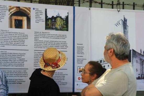 Életműdíjas építészek a Ferences kolostornál