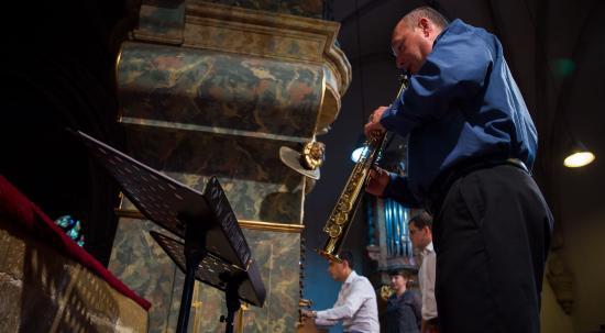 Szaxofon és orgona?
