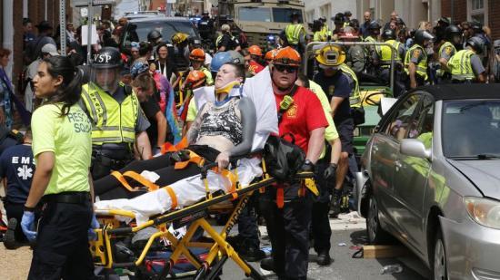 Trump: mindkét oldal hibáztatható az erőszakért Charlottesville-ben