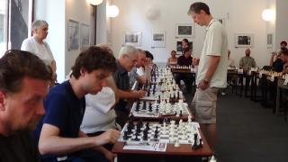 VIDEÓ - Egyetlen hölgy sem vállalta a sakkszimultánt