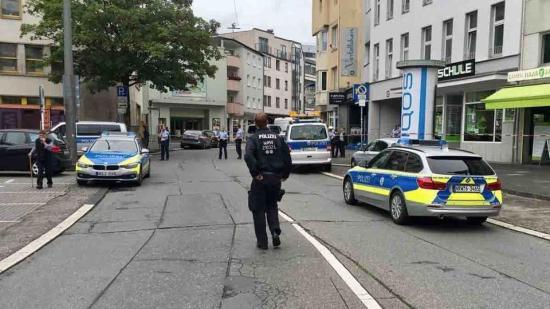 Két embert őrizetbe vettek a wuppertali késelés gyanújával