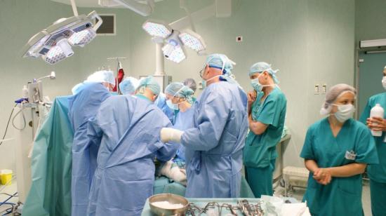 Bodog: az egészségügyben dolgozók fizetése 2018-ban megközelíti majd az európai uniós szintet