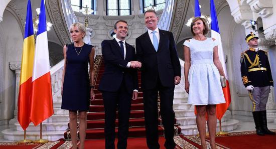 Macron látogatása: bővítik az Airbus és az IAR szerződését, és megállapodást kötnek a rakétákról (FRISSÍTVE)