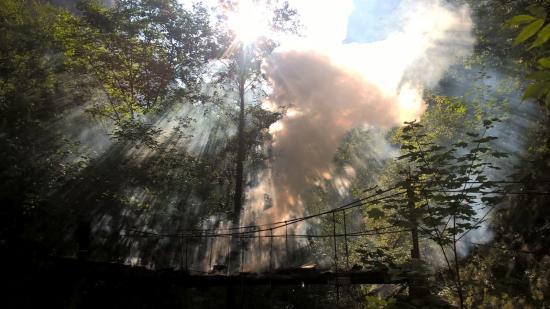 Felgyújtottak egy hidat a Tordai-hasadékban