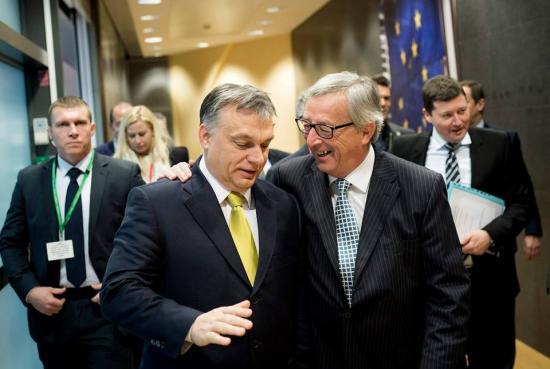 Juncker Orbánnak az illegális bevándorlásról: az európai szolidaritás
