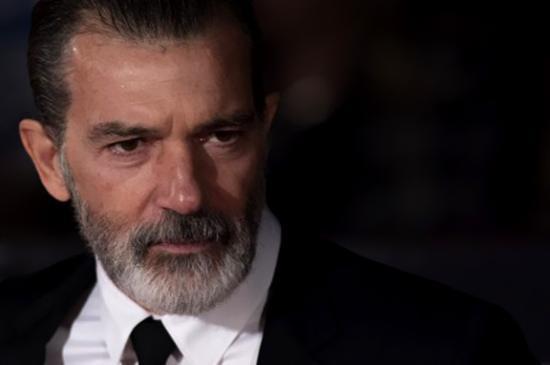 Antonio Banderas Picassót alakítja egy sorozatban