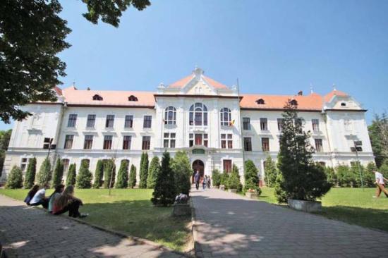 Az Unirea líceum sem maradhat az épületben – szerződésbontást helyeztek kilátásba a katolikusok