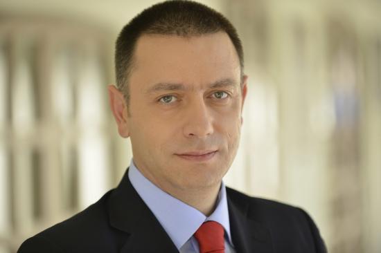 Források: Mihai Fifor veszi át a védelmi tárcát, Gheorghe Șimont javasolják gazdasági miniszternek