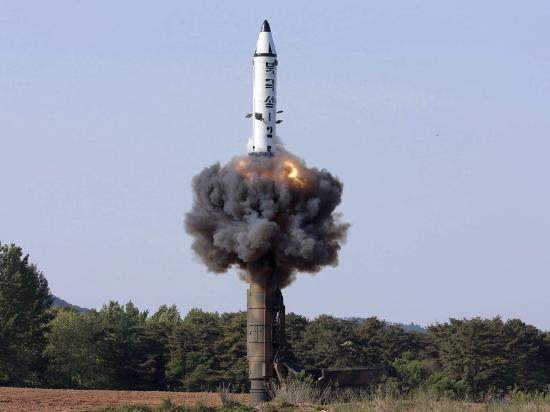 Észak-Korea újabb rakétakísérlete: összehívták az ENSZ Biztonsági Tanácsát