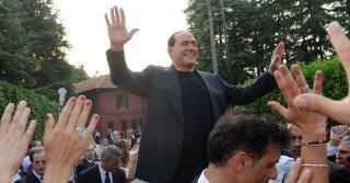 Visszatért a politikai életbe Silvio Berlusconi