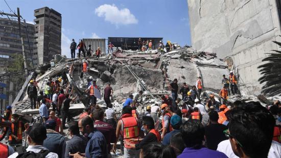 Több mint kétszáz halottja lehet a mexikói földrengésnek