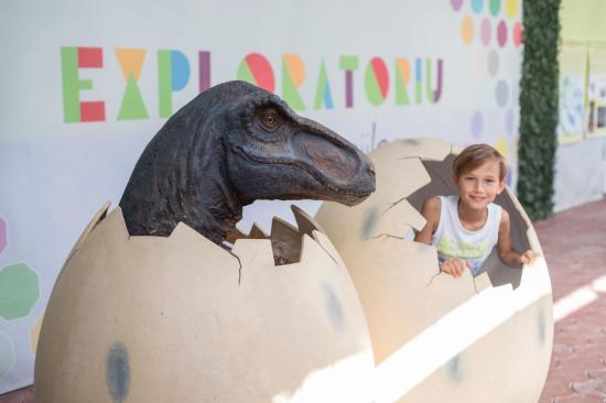 Apahidán a dinó kiállítás