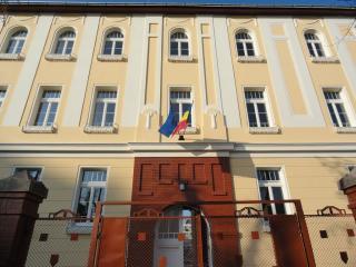 Bántalmazott diáklány Besztercén: hétfőre az iskolába hívatták az érintetteket