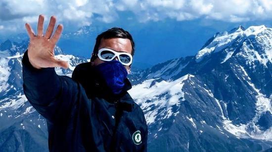 Nem csak csákány, puszi is kell a sikeres hegymászáshoz