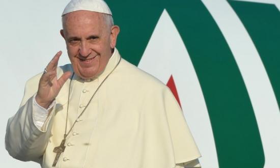 Ferenc pápa nyitottságot és humanitárius folyosókat sürgetett a menekültek befogadására