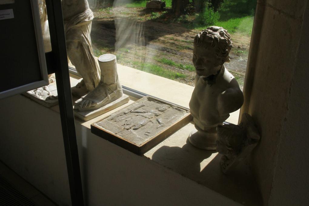 Ritkaságnak számító leletekre bukkantunk az Apáczai-líceumban