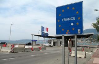 Külügy: a francia hatóságok áprilisig fenntartják a határellenőrzést
