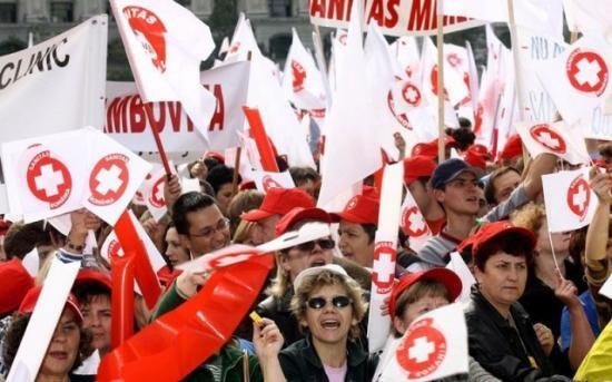 Egészségügyi dolgozók tüntettek