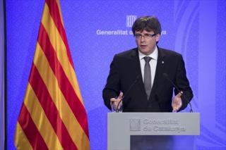 A katalán elnök parlamenti ülést hív össze, hogy választ adjanak Madridnak