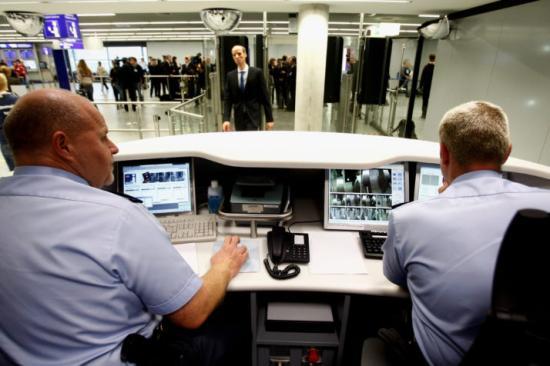 Az EP támogatja a schengeni külső határellenőrzés szigorítását