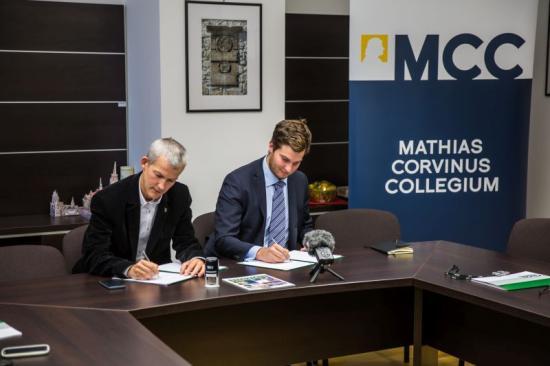 Együttműködést kötött a Sapientia EMTE és a Mathias Corvinus Collegium