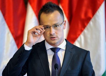 Magyar külügyminiszter: spanyol belügy a katalán függetlenség kikiáltása