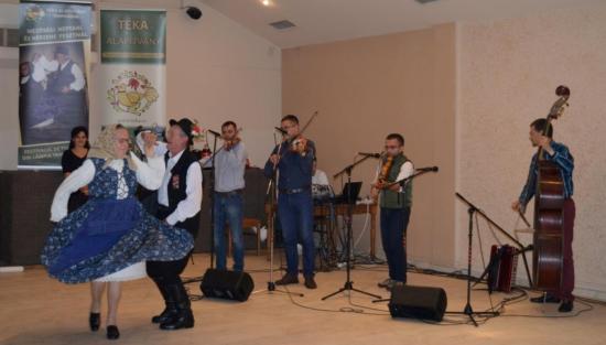 Mezőségi adatközlők, népzenészek fesztiválja Szamosújváron