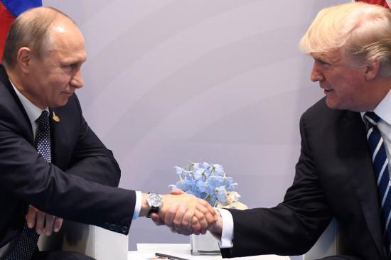 Putyin és Trump pénteken találkozik Vietnamban