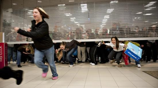 Közeleg a Fekete Péntek-őrület: mire figyeljünk, ha vásárolunk?